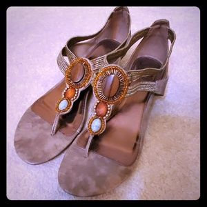 Mia taupe colorful sandals size 9
